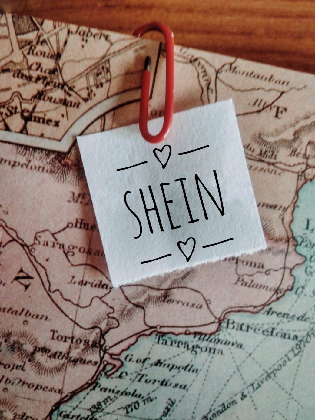 """b16446cb5805 Viaggia comodo con i """"teddy"""" outfits di Shein!"""